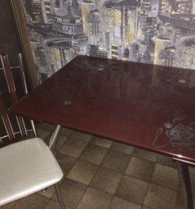Стеклянный стол +4 стула