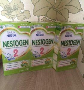 Сухая молочная смесь Нестожен 2 и Малыш 2