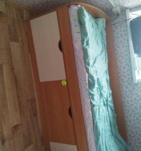 2  Кровати односпальных с ящиками.