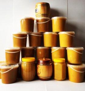 Мёд самый вкусный и полезный.