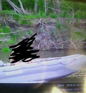 Лодка, по документам катамаран