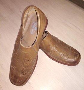 Ботинки мужские кожаные 43р.