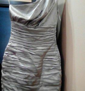 Вечерняя платье