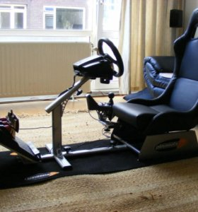 Кресло для симуляторов гонок Logitech G27