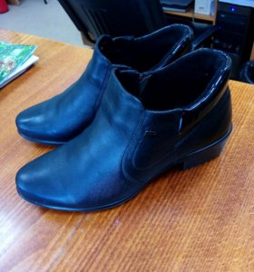 Кожаные ботинки 38р.
