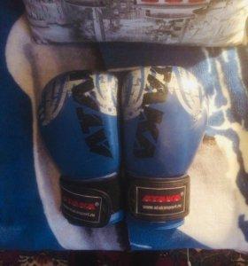 Боксерские перчатки 10-OZ