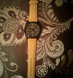 Новые часы фирмы Curen