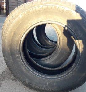 Комлект зимних шин Michelin Latitude