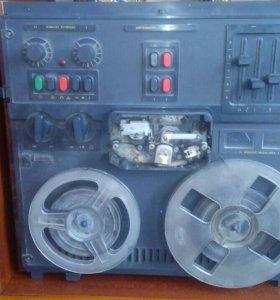 Катушечный магнитофон нерабочий