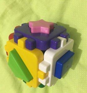 Кубик с геометрическими фигурами.