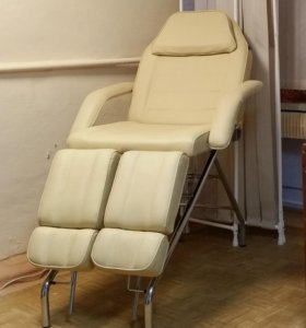 Педикюрное (косметологическое) кресло (кушетка)