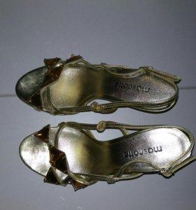 Туфли (босоножки ) Mascotte 35 размер