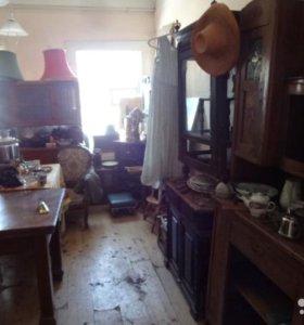 продаем старинную мебель