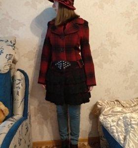 Пальто осень-весна и шляпа