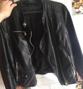 Кожаная куртка(Stradivarius)