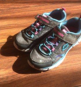 Продам кроссовки Skecher размер 28,5