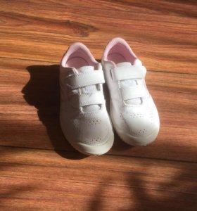 Кроссовки на девочку 30 размер