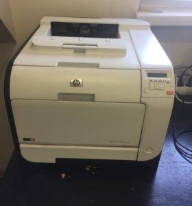 Принтер HP LaserJet pro300 color m351a