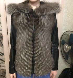 Жилетка из чернобурки. Кожаная куртка в подарок