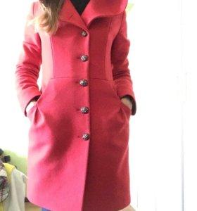 Пальто демисезонное с капюшоном