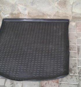 Резиновый коврик в багажник Опель Антара