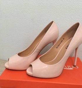 Туфли женские.38 р.
