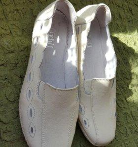 Новые туфли мокасины слипоны
