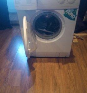 продаю на запчасти стиральную машинку