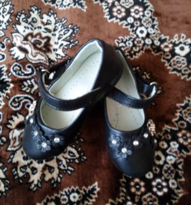 Туфельки на девочку,новые