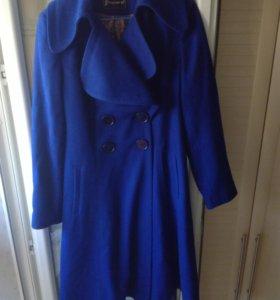 Практически новое пальто (одето 2 раза)