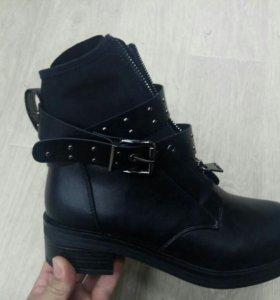 Ботинки с молнией