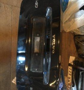 Крышка багажника вольво s40