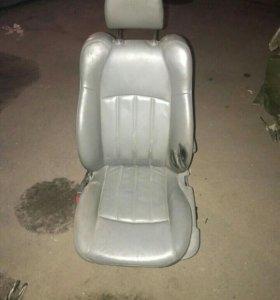 Водительское сиденье Chrysler 300c
