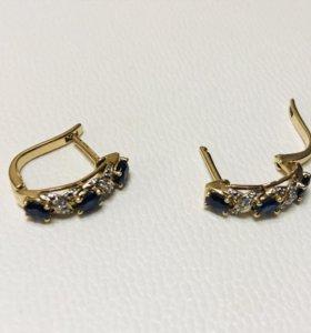 Золотые сережки с сапфирами и бриллиантами