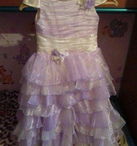 Продам красивое платье для утренника