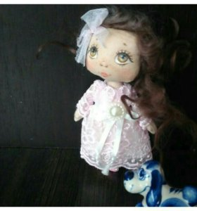 Кукла -брошка