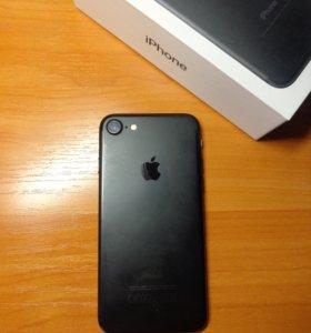 Продам iPhone 7 black 32 gb