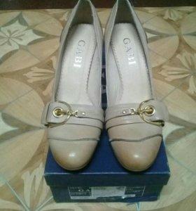 Туфли женские новые кожа