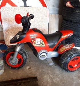 Трицикл детский электрический