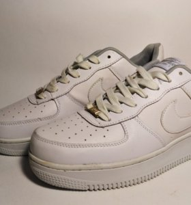Кожаные кроссовки Nike Air Force