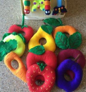 Развивающая игрушка из фетра - голодная гусеница