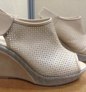Туфли босоножки ..