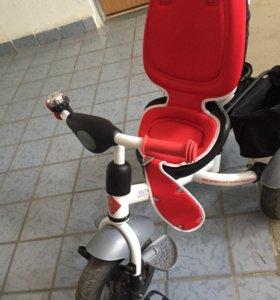 Велосипед трехколёсный с ручкой Rich Toys