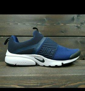 Кроссовки Nike 41