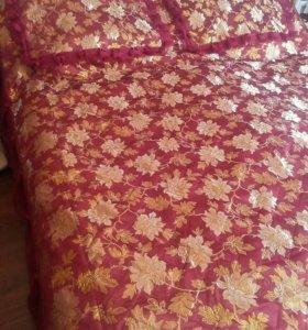 Покрывало с чехлами для подушек