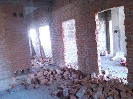 Демонтаж построек, стен, перегородок, пола, стяжки