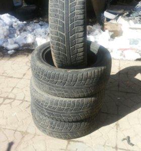 Шины для машине. 225/55 R 17