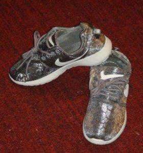 новые кроссовки р.36