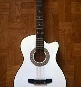 Новая Белая акустическая гитара