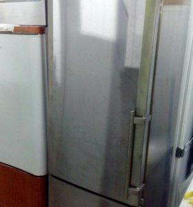 Холодильник Liebherr . Надежный